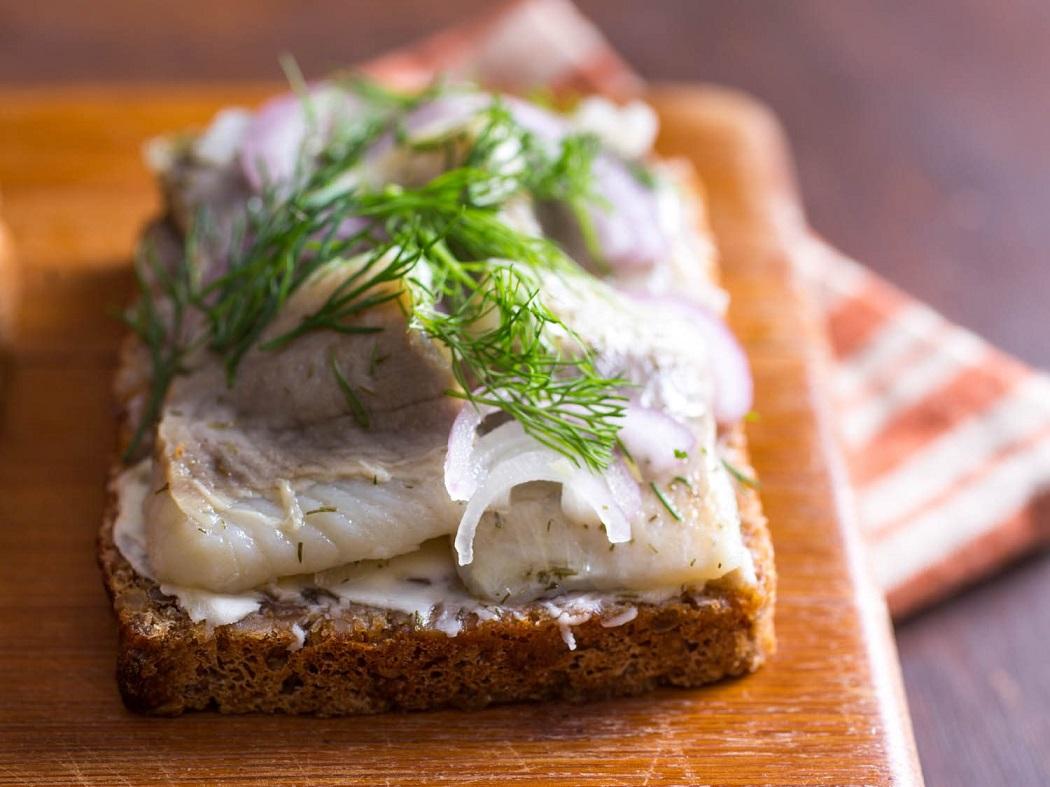 smorrebrod-herring.jpg